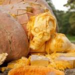 Что можно вырезать из самой большой в мире тыквы на helloween?