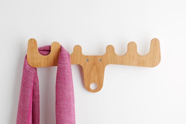 настенная деревянная вешалка для одежды