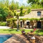 Красивый каменный дом в Испании