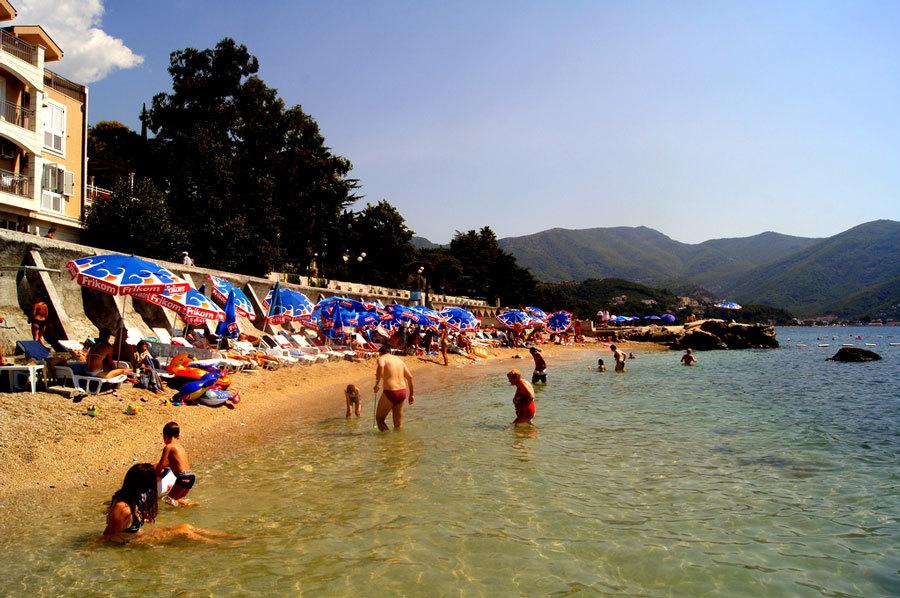 Херцег-Нови пляж