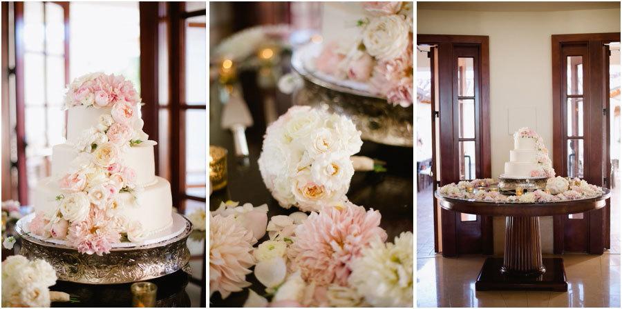 Роскошный свадебный торт с цветами из крема