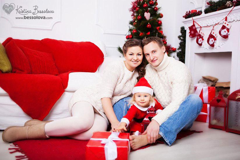 красивая новогодняя семейная фотосессия