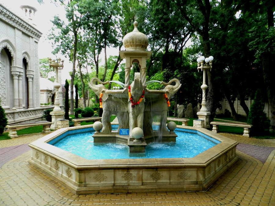 Индийский фонтан