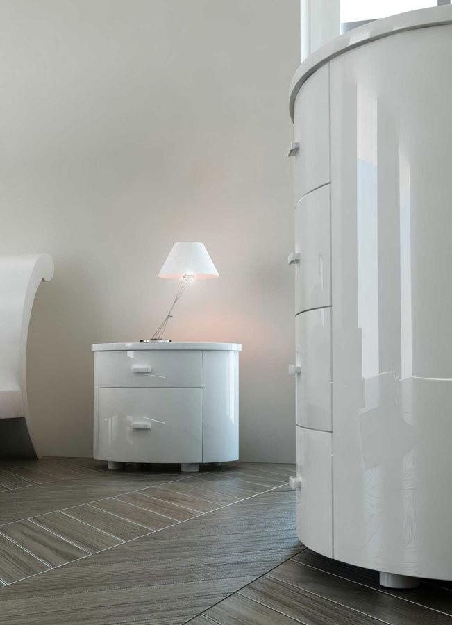 белые глянцевые круглые комоды для спальни