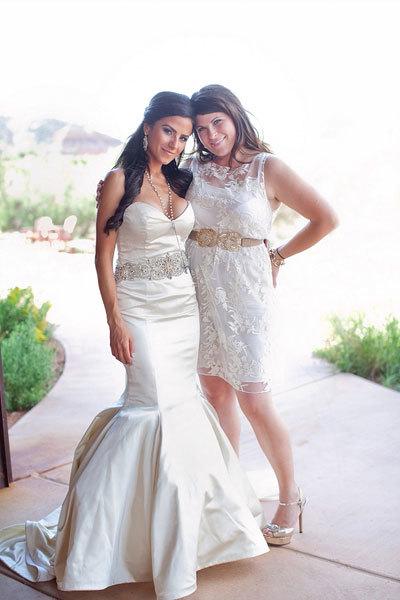 невеста с сестрой