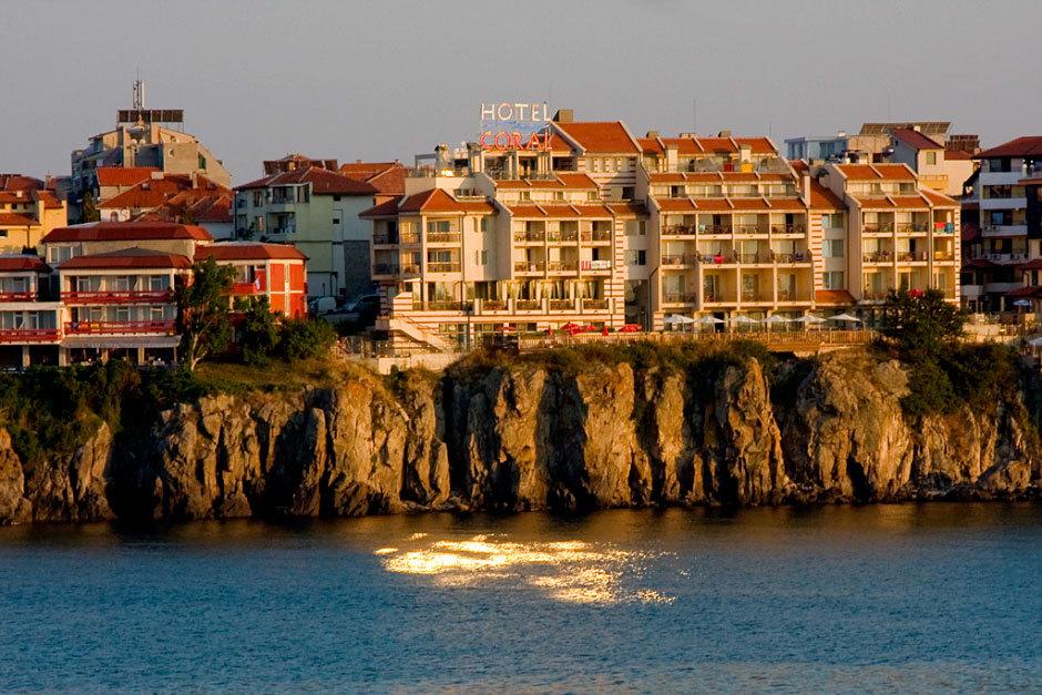 Вид на отель Coral, Созополь.
