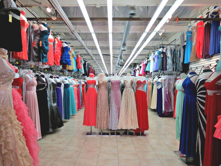 Магазин вечерних платьев.