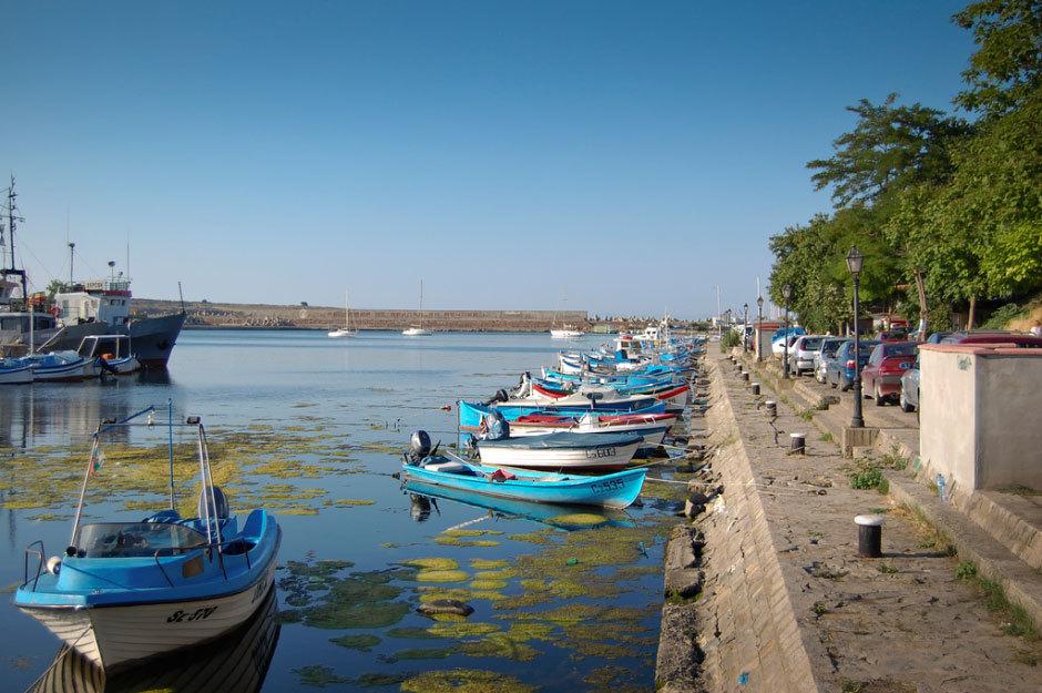 Созополь набережная с лодками.