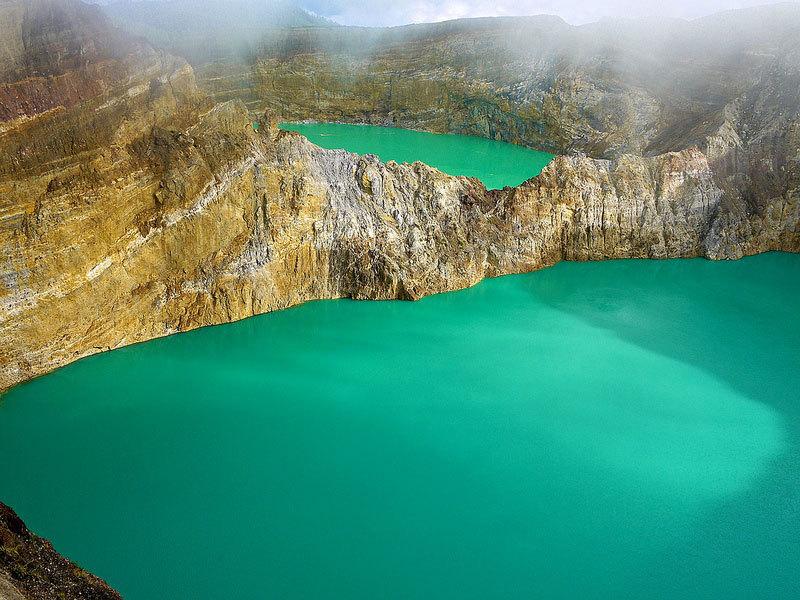 Цветные озера вулкана Келимуту (1)
