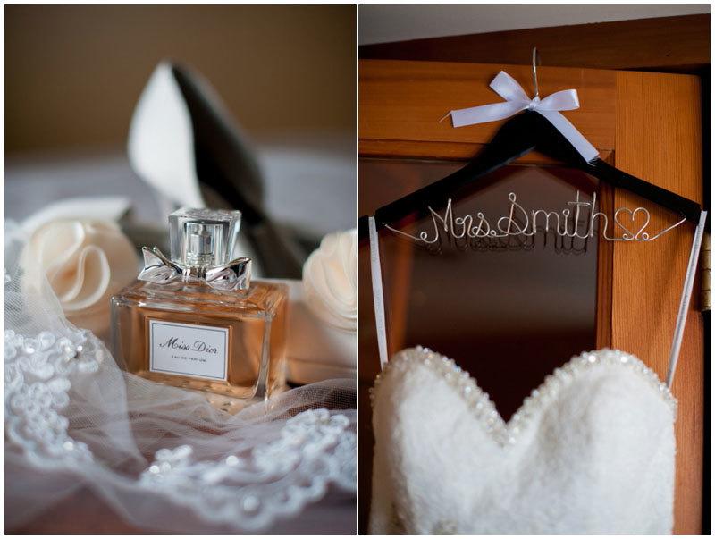 вешалка с платьем невесты