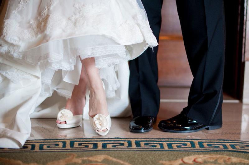 жених невеста ноги