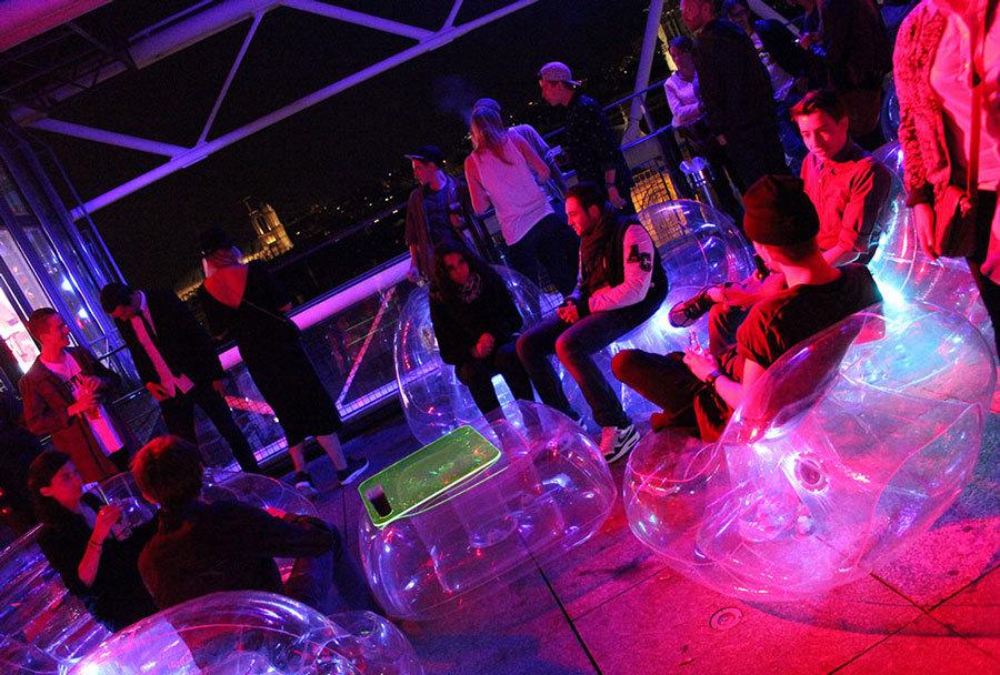 надувная мебель в ночном клубе
