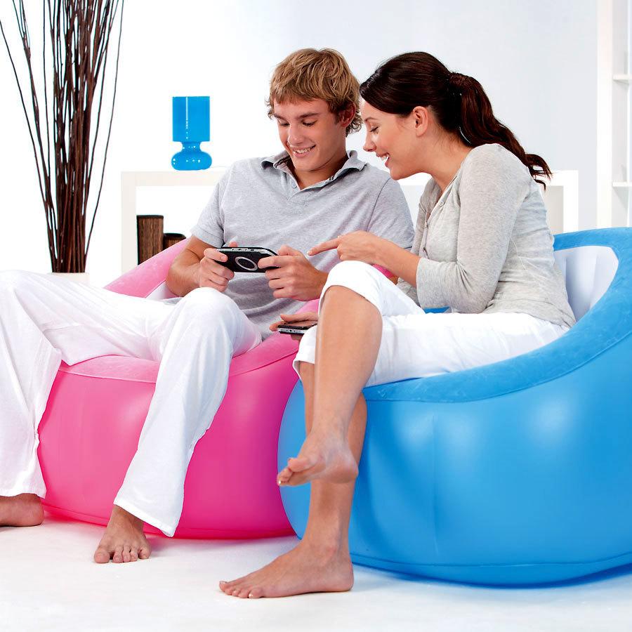яркие надувные кресла интекс