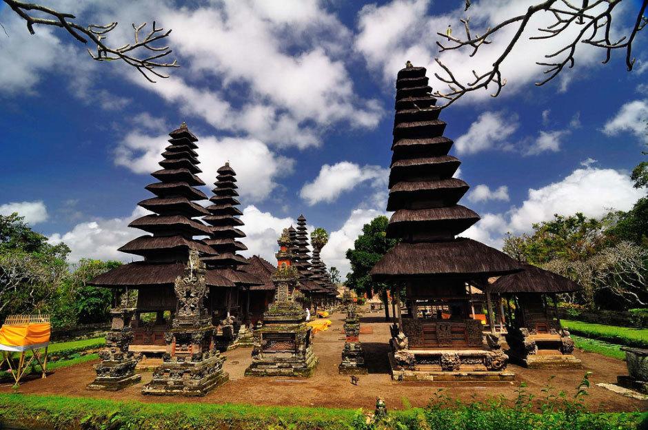 Bali and Gili Trawangan.