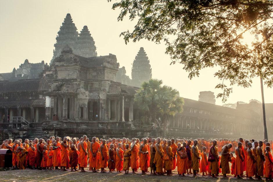 Монахи в Анкгор Ват