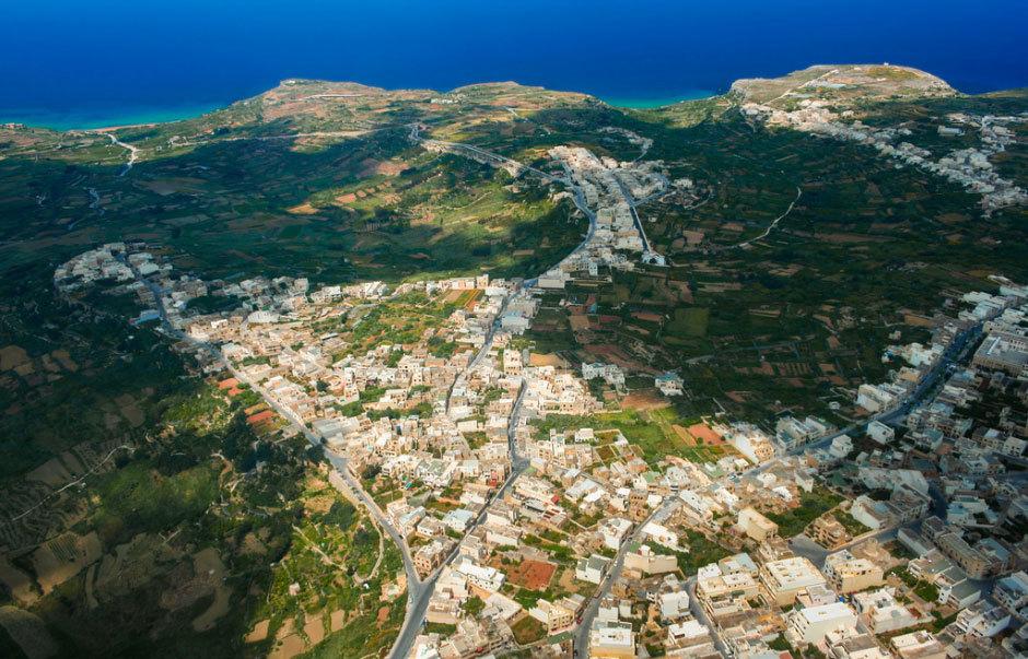 Вид сверху на остров Гозо