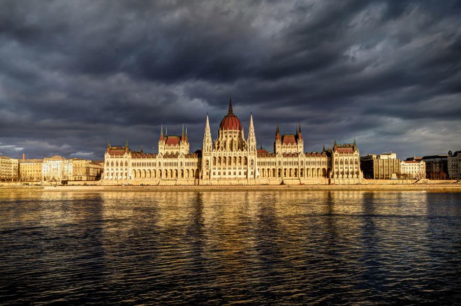 Здание вернгерского парламента