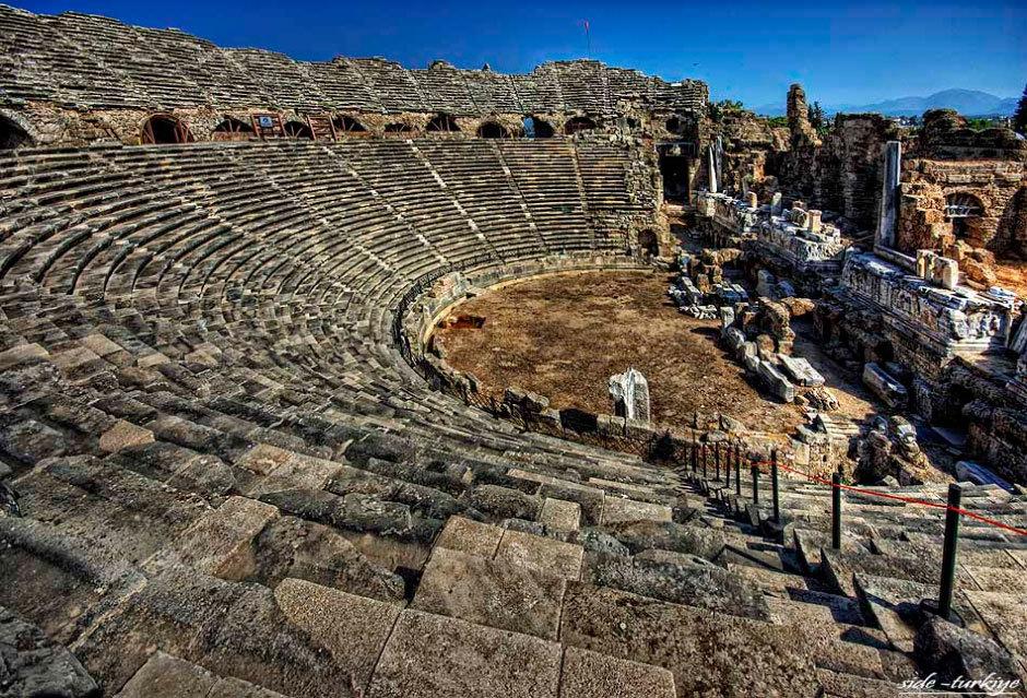 Сиде, руины одного из самых крупных сохранившихся амфитеатров