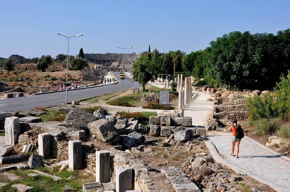 Улица колонн в Сиде, Турция