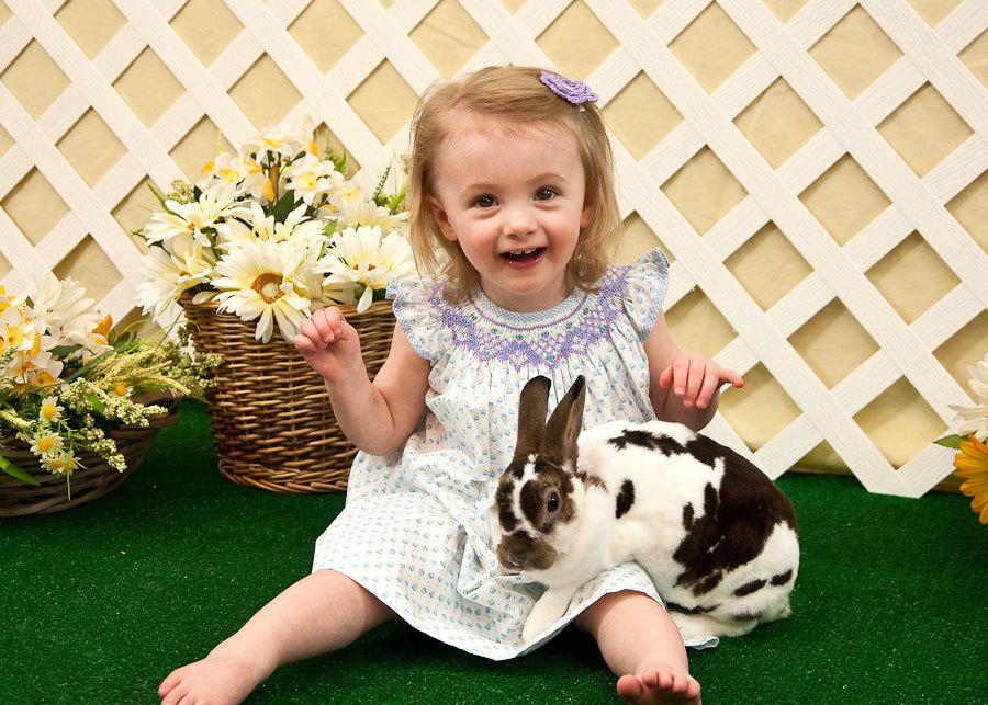 девочка и живой кроль