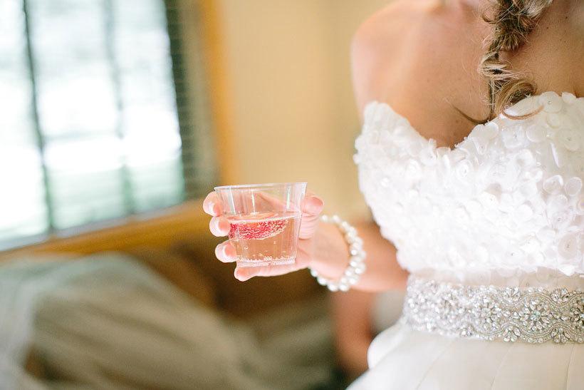 невеста в бокалом