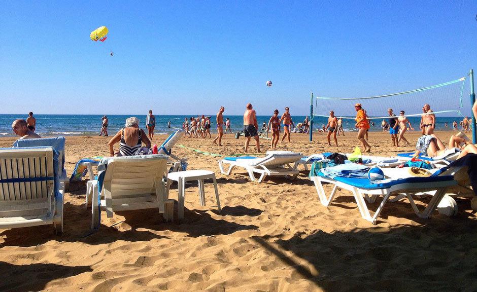 песчаный пляж  в Сиде