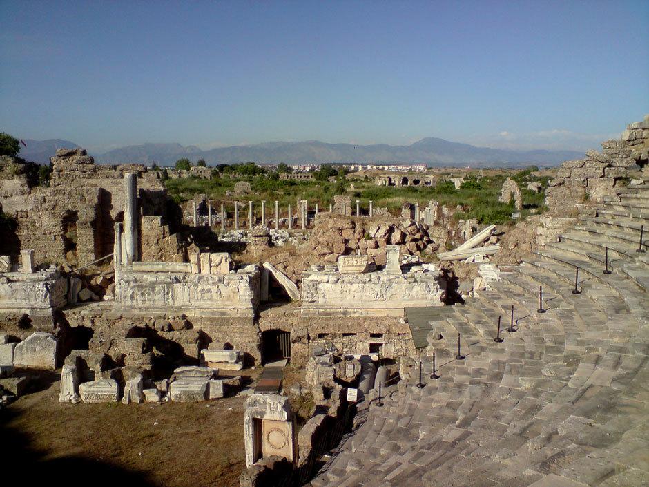 римский амфитеатр в Сиде
