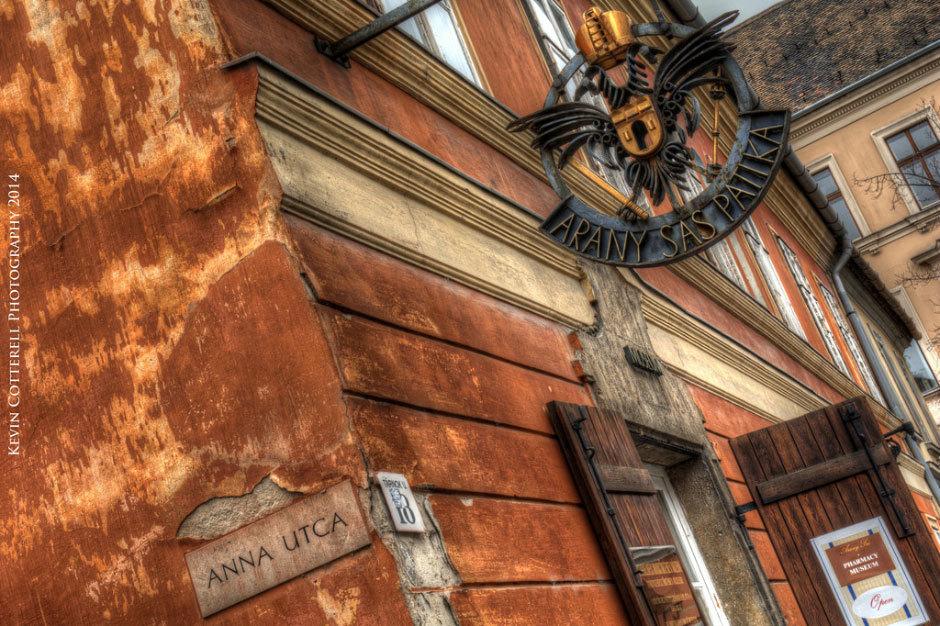 Arany-Sas-Patik-`Museum