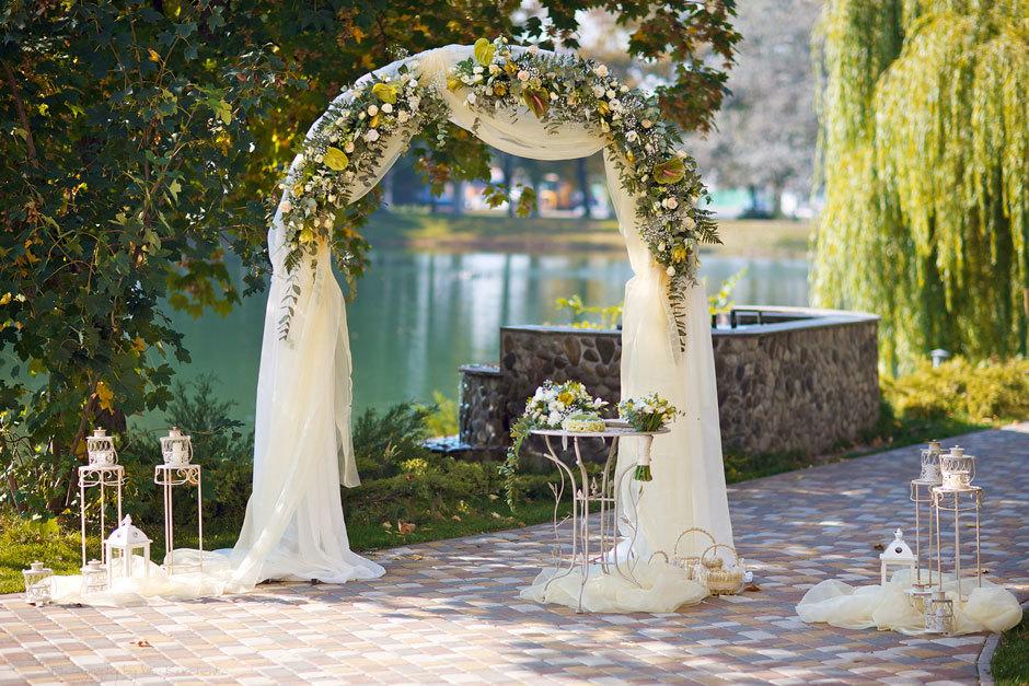 Роскошная осенняя свадьба в ресторане Прага в Киеве