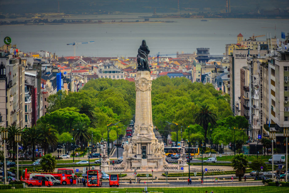Маркиза-де-Помбала-Памятник---Лиссабон-Португалия