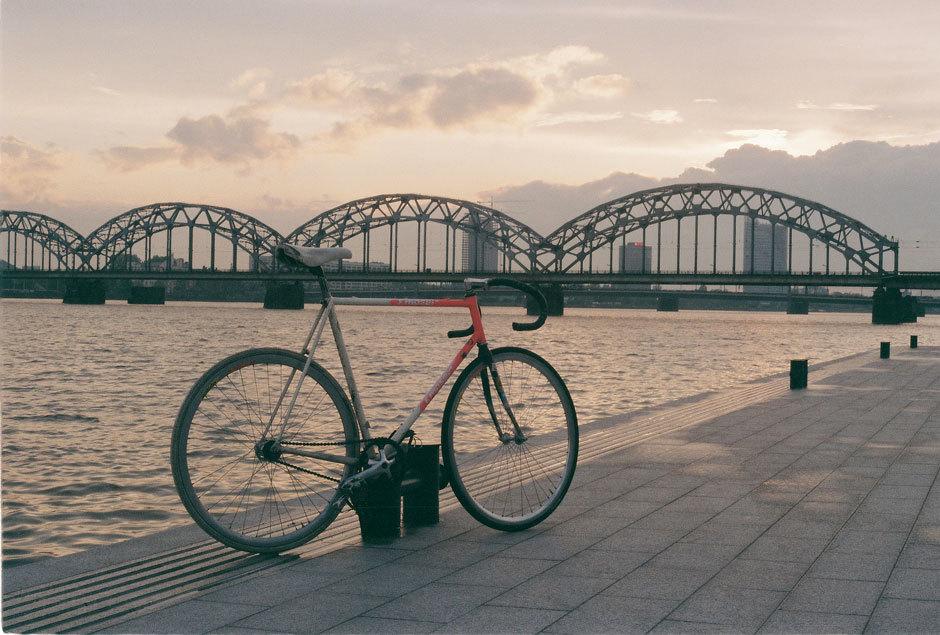 Рижский-железнодорожный-мост-на-рассвете