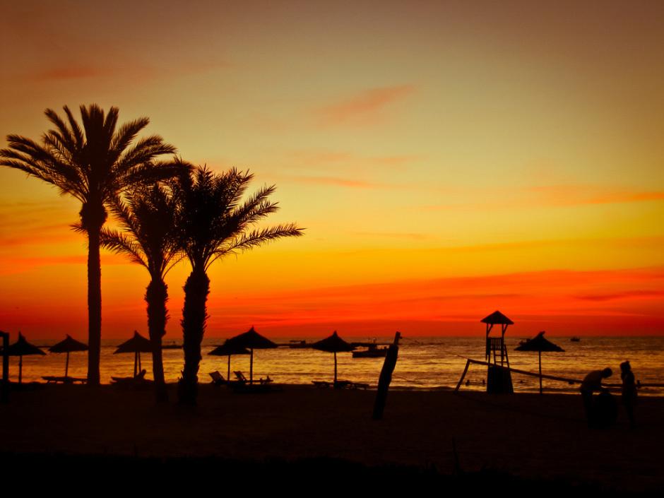 Тунис, закат на море