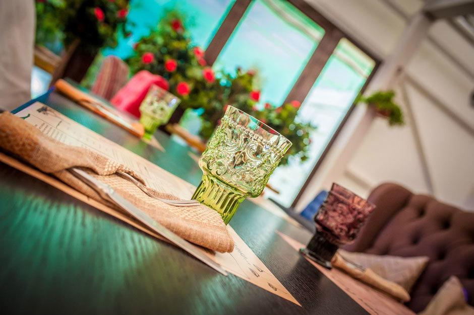 PiLove cafe столик на летней веранде
