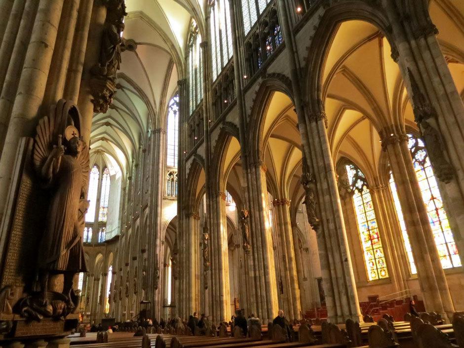внутренне убранство собора в Кельне