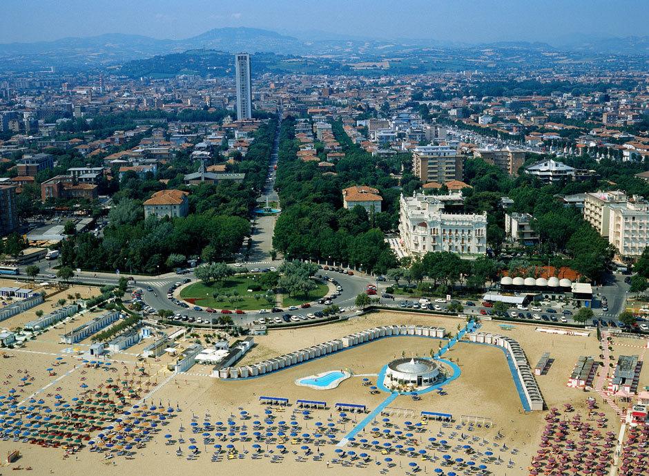 пляжи в Римини