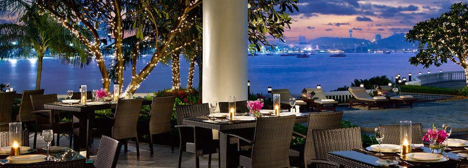 ресторан ночью