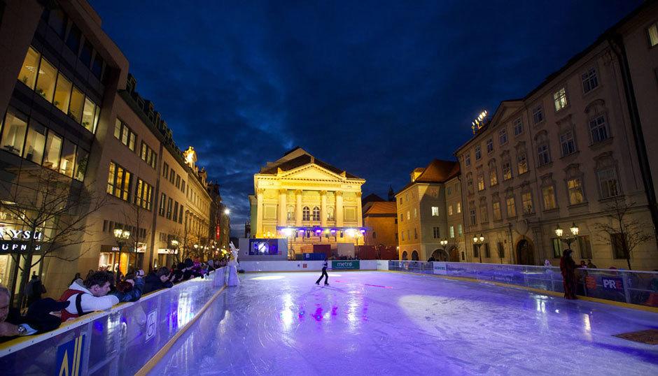 Открытый каток в столице Чехии