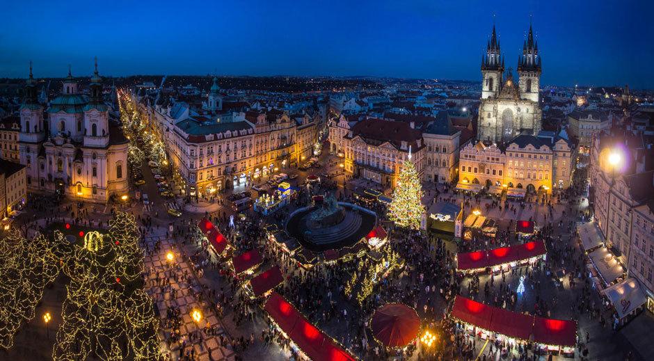 ярмарка на Староместской площади в Праге