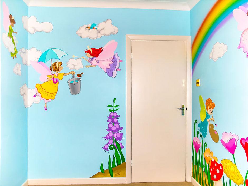 сказочная роспись стен детской комнаты
