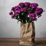 Необычная ваза для цветов Paper Bag Sculpture/Vase