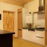 Современный дом с сауной и деревянной баней в Латвии